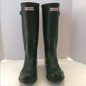 Hunter tall matte green rain rubber boots Sz 7